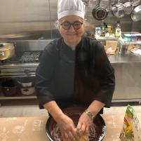 マンマ、ニョッキを作っています